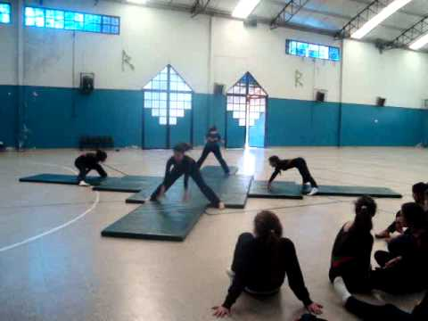 Esquema gimnasia art stica cuarteto youtube for Colchonetas para gimnasia