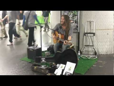 Vanupié - Redemption Song (Bob Marley cover) - Live métro de Paris