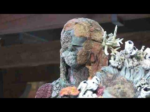 """Damien Hirst interpreta el tesoro de """"El increíble"""""""