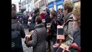 Repeat youtube video VIDEO OFFICIELLE MAREE TRAD 2013 à Douarnenez