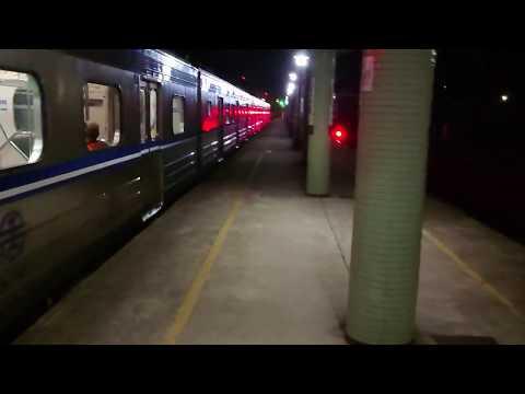 4243次EMU500有階區間車雙溪出站(EMC512)