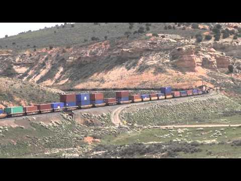 WBD Union Pacific Railroad Z train descends curve @ Castle Rock, UT 5/5/2014
