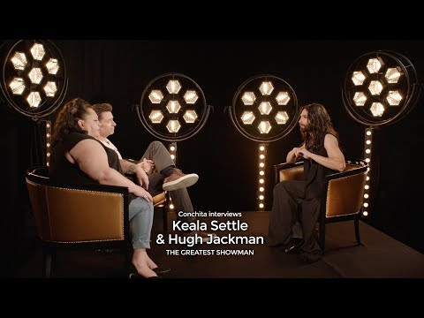 Conchita meets Keala Settle & Hugh Jackman (THE GREATEST SHOWMAN Interview)