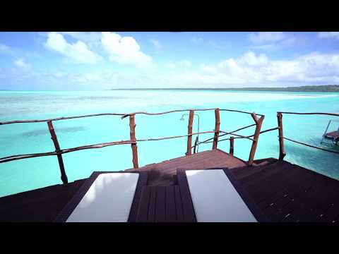 Overwater bungalow at the Aitutaki Lagoon Resort & Spa (Cook Islands) 4K
