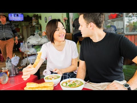 HUGE Vietnamese Street Food Tour NORTH to SOUTH | BEST Street food in Vietnam 2017  | DANANG