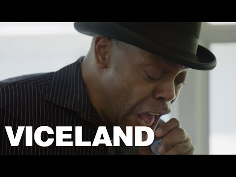 Michael Winslow Plugs His Microphone Into A Guitar Pedal