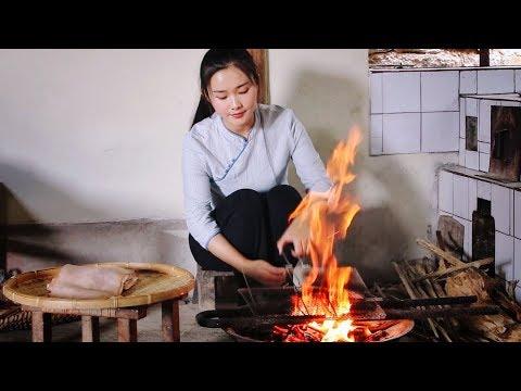 猪皮最好吃的做法,火烧后拌上各种作料:傣味柠檬猪皮【滇西小哥】