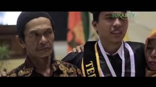 "Pecah Tangis Wisudawan UIN Sunan Kalijaga  Nyanyikan Lagu"" Ayah"" dan ""Bunda"""
