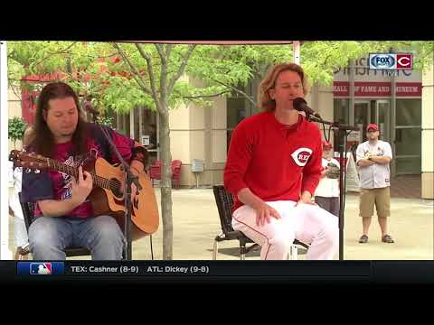 Bronson Arroyo leaving baseball as Red, and guitar in hand