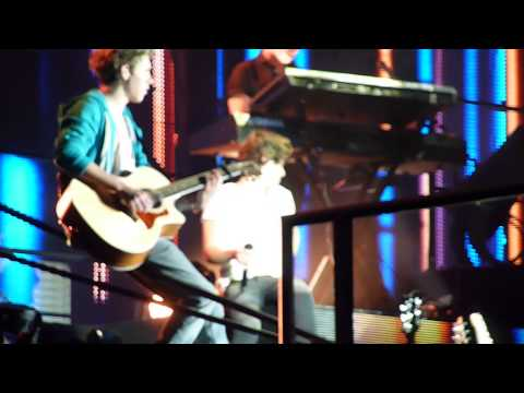 One Direction - Summer Love Clip - Glasgow 27th February 2013