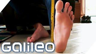 Die größten Füße der Welt - Werden wir immer größer? | Galileo | ProSieben