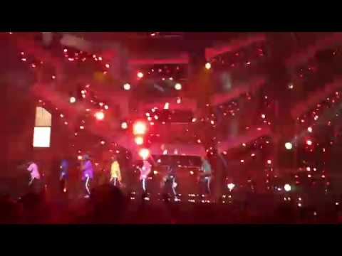 Bruno Mars - Runaway Baby - 24K Magic World Tour - 2017-08-05 - Xcel Energy Center, St Paul