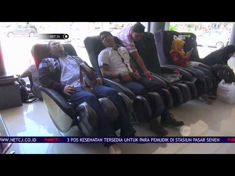 Layanan Kursi Pijat di Stasiun Gubeng - NET24