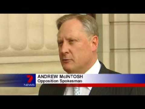 09 09 05 HSV 7 News Andrew Mcintosh on alcohol fueled violence in South Melbourne
