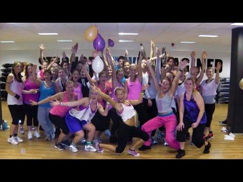 Isabella Larka  Lo Que Paso, Paso Daddy Yankee  Zumba Choreography