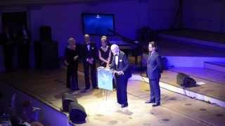 Christopher Lee spricht deutsch bei Cinema for peace 2014