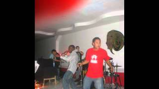 Macabeo Feat Roger Ruiz A.K.A  Cristianito