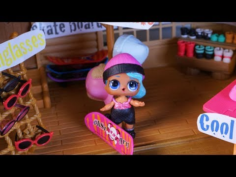 LOL SURPRISE DOLL Sparkles Goes Shopping And Changes Who She Is