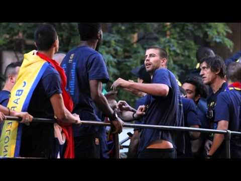 gerard pique and alex song fight
