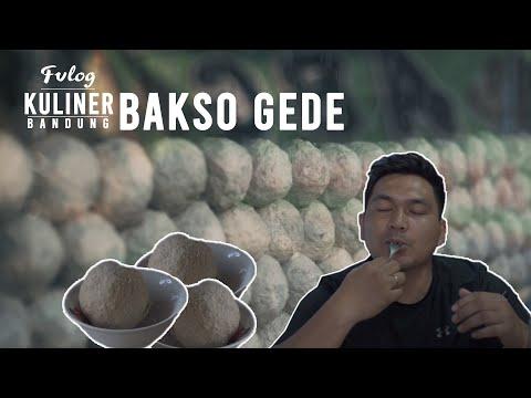 nyicip-kuliner-kabupaten-bandung---bakso-beranak-raksasa-asli-gede-banget-|-fvlog-#24