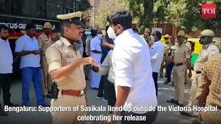 Sasikala supporters line up outside Bengaluru hospital