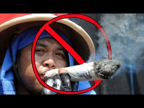 China's Smoking Addiction | China Uncensored