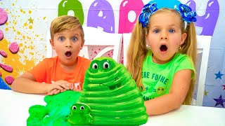 Diana and Roma play with slimes and make a giant slime