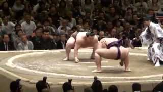 20100509 大相撲5月場所初日白鵬VS栃煌山.
