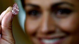 بيع ماسة وردية بمبلغ 31.46 مليون دولار في مزاد علني بجنيف     18-5-2016