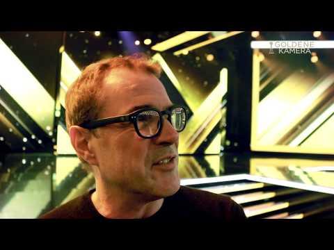 Sebastian Koch hielt die Laudatio auf Liam Neeson  GOLDENE KAMERA 2018