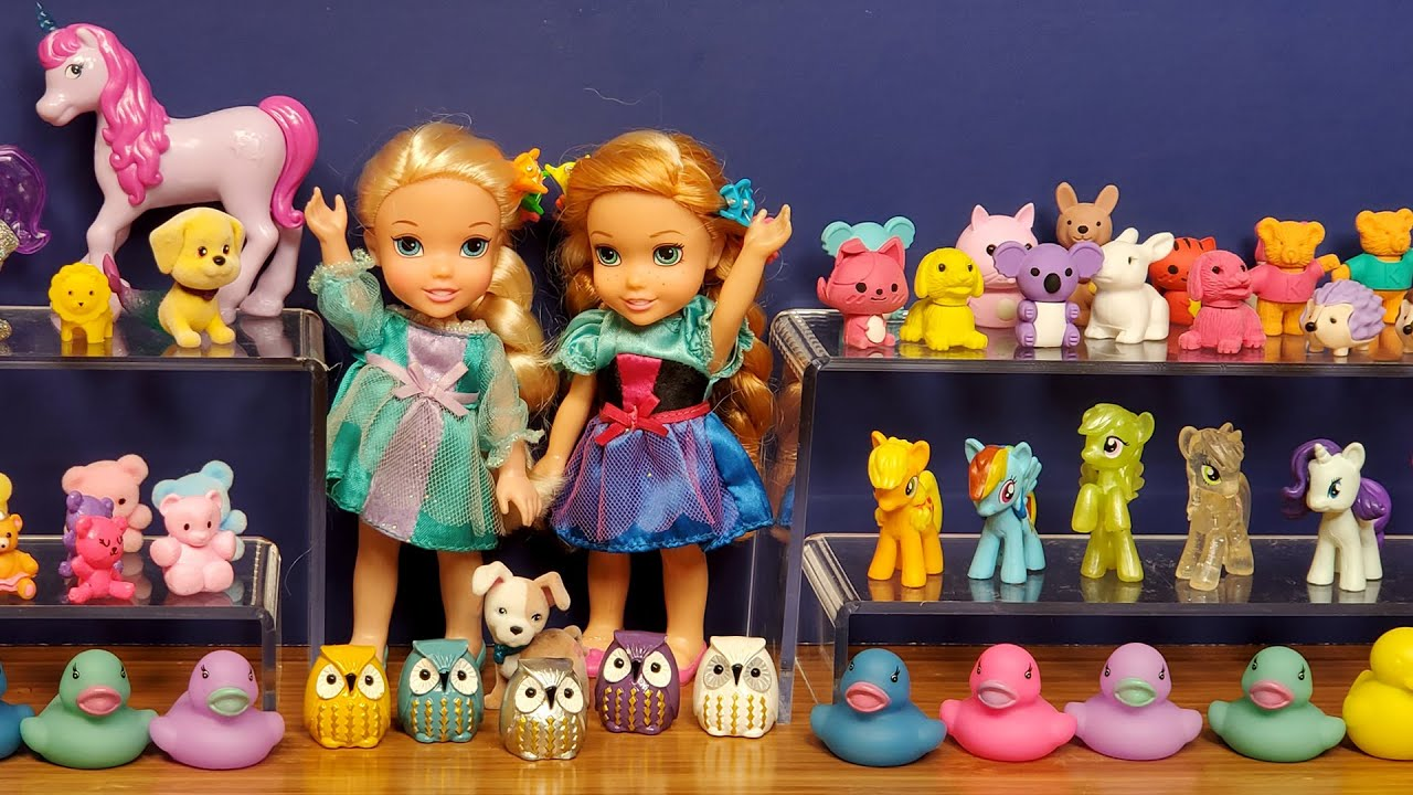 Birthday gifts shopping ! Elsa & Anna toddlers at the toy store - Barbie