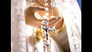 Why You Should Pray the Rosary Daily: The 15 Promises of the Rosary