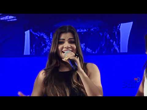 Bollywood Singer Mamta Sharma Singing Her Song Fevicol Se... In A Fashion Event In Mumbai
