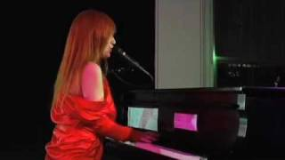 "Tori Amos, ""Star of Wonder"""