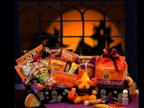 Halloween gift baskets youtube halloween gift baskets negle Gallery