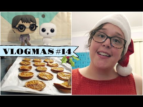 VLOGMAS 14 Drying Oranges and Stormy Weather