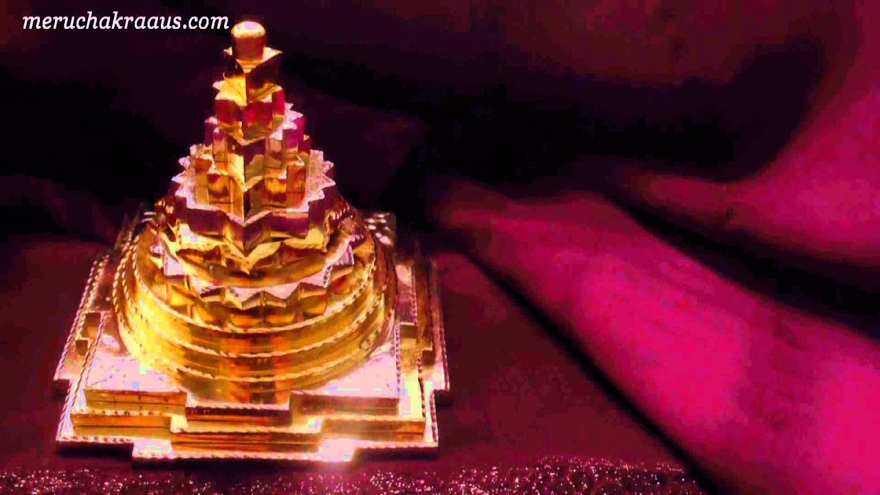 Find Benefits and Power of 100% Pure Sphatik Shree Yantra .