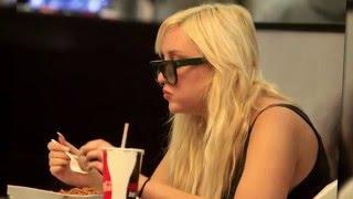 Amanda Bynes Spotted Looking Healthy Eating Chinese Food | Splash News TV | Splash News TV