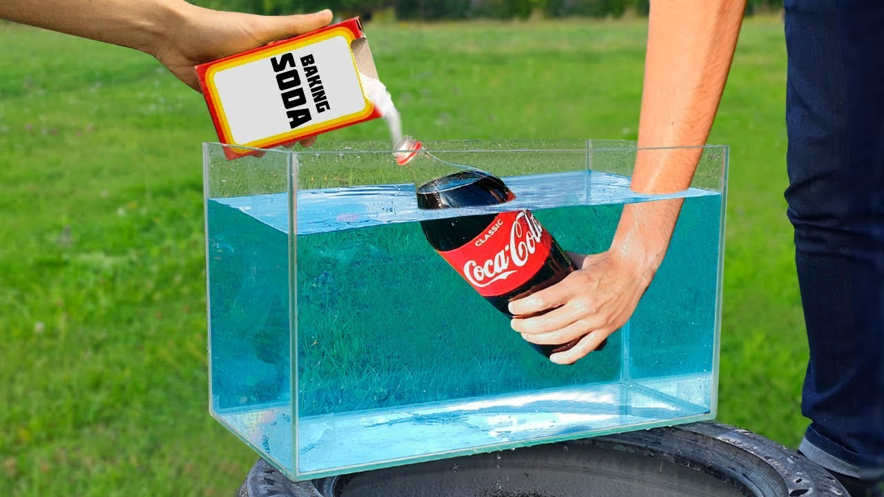Experiment: Coca Cola and Baking Soda Under Water