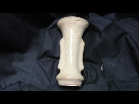 Museum888: Southern Song Dynasty Gaun (Official) Ware Moon White Vase 執到宝博物館南宋官窯月白雙耳小瓶