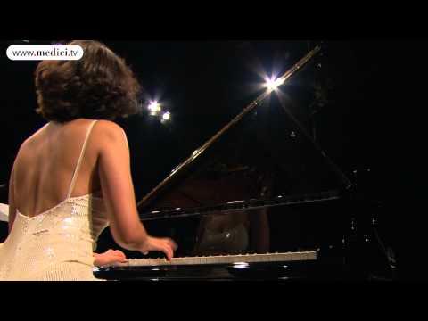 Khatia Buniatishvili - Chopin - Piano Concerto No. 1