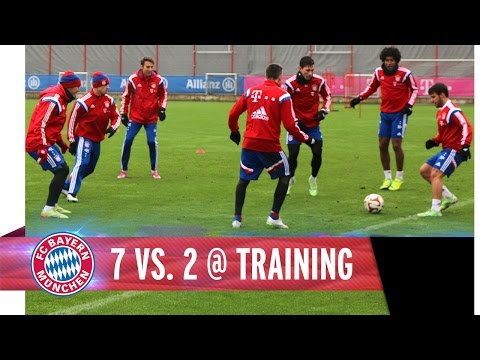 Amazing! Bayern Munich players take rondo to another level