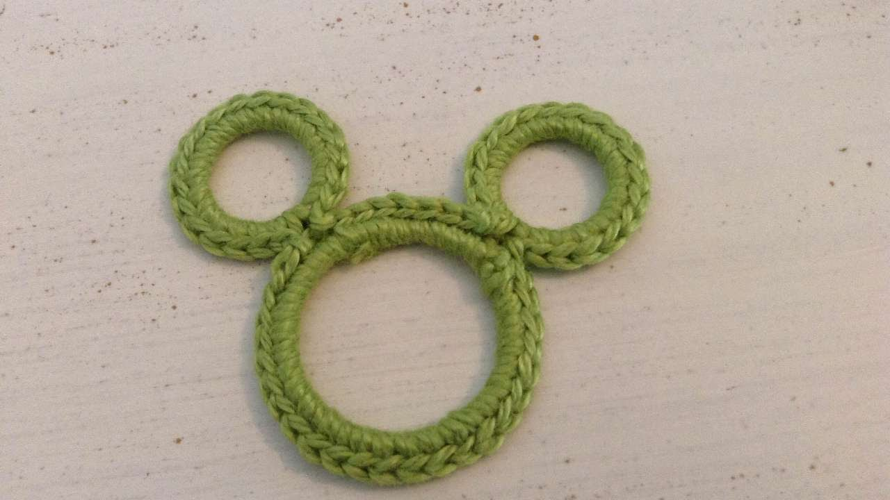 Tutorial Amigurumi Mickey Mouse : How to create a crochet mickey mouse decporation diy crafts