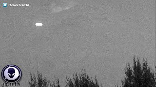Glowing UFO Flies Near Mexican Volcano On Christmas Day 1/2/2016
