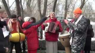 Харинама-санкиртана, Екатеринбург, 05.04.2014 (с интервью у прохожих)