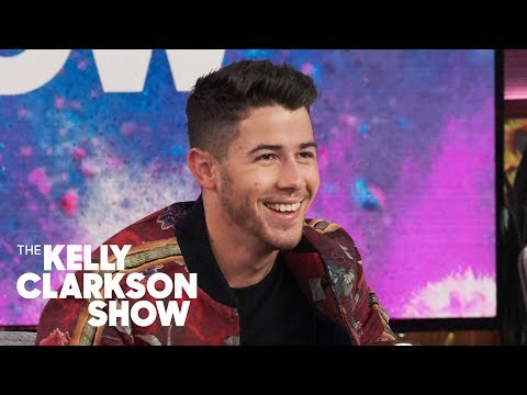 Jeff Stevens - Kelly Clarkson Had No Idea the Jonas Brothers Opened for Her in 2005