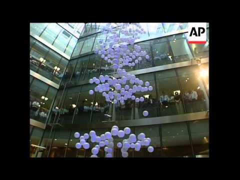 Queen opens new London Stock Exchange