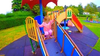 Fun Playground for Kids / Funny Time Outside / Tiempo de Diversion en el Parque /