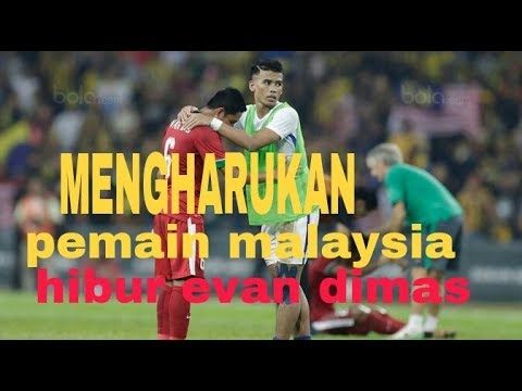 MENGHARUKAN !! Pemain malaysia hibur pemain timnas indonesia