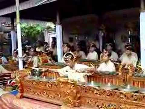 Balinese music ceremony